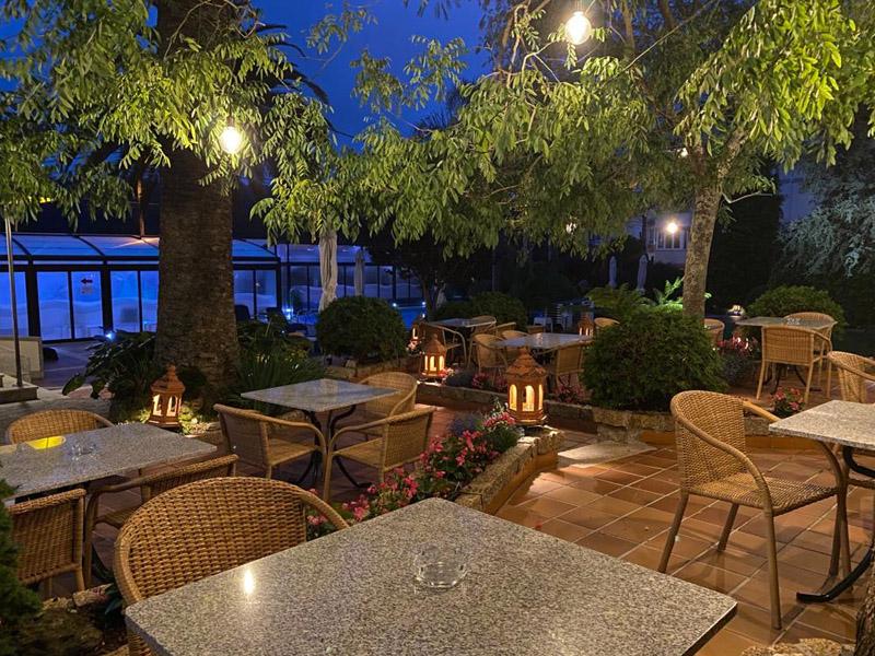 bosque mar hotel o grove piscina terraza 1